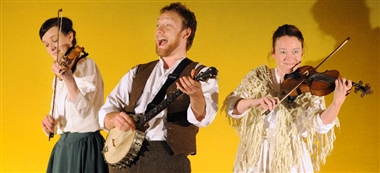 New Perspectives Theatre Company performing Larkrise to Candleford